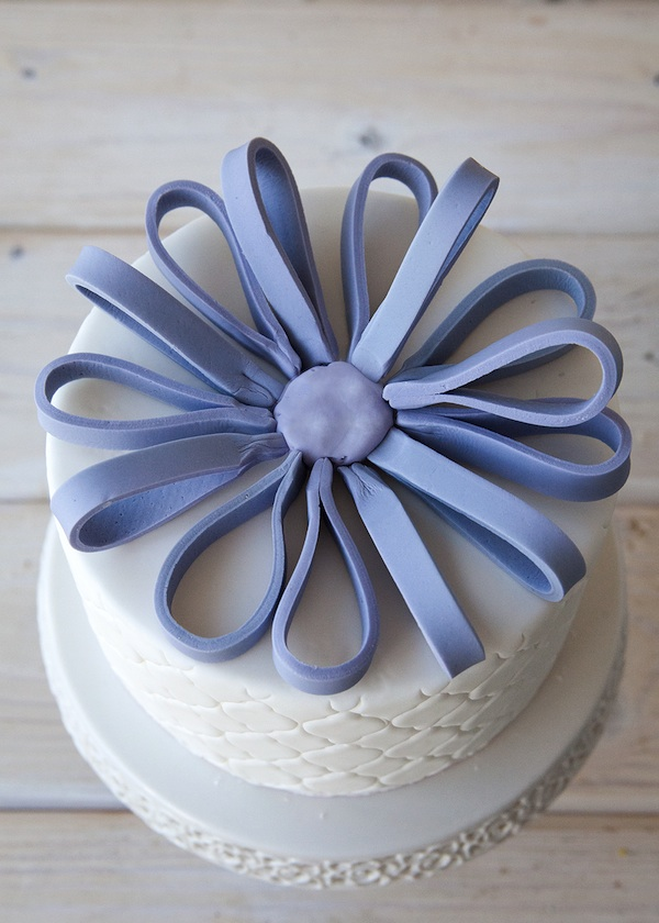 Inserting Wires to Make Fondant Bow