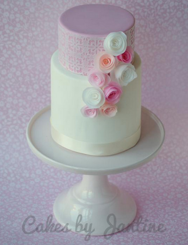 Rolled Roses Cake - by Bluprint Member
