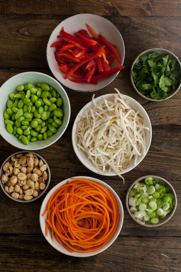 Ingredients for vegetarian Pad Thai