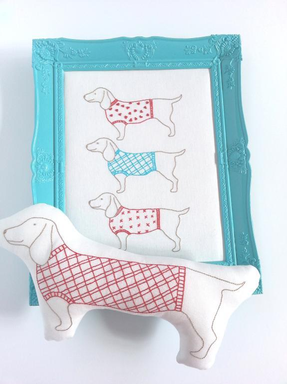 Hand embroidery pattern of 3 sausages dogs in coats