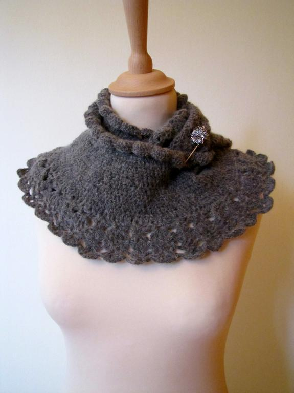 Craftsy.com: Rome infinity scarf