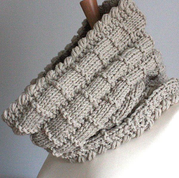 Knit basket cowl