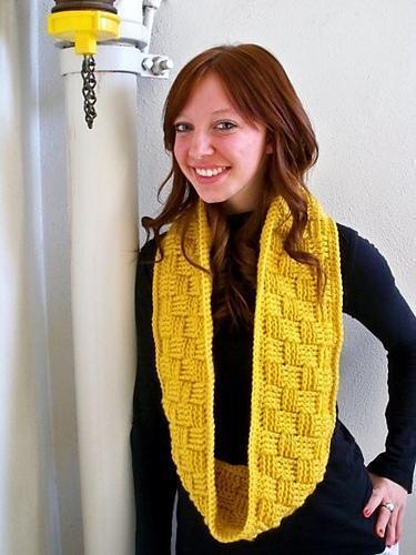 Checkerboard infinity scarf - Craftsy.com Member Pattern
