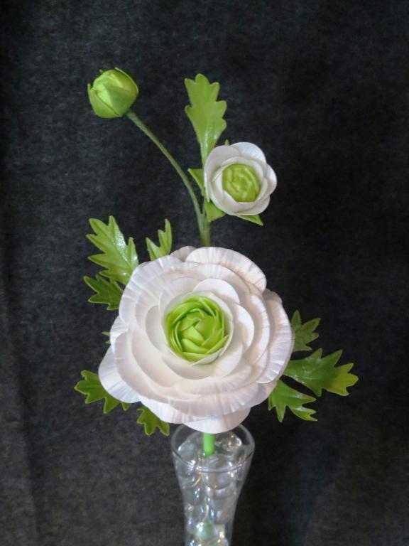 Sugar Flowers: White Ranunculus