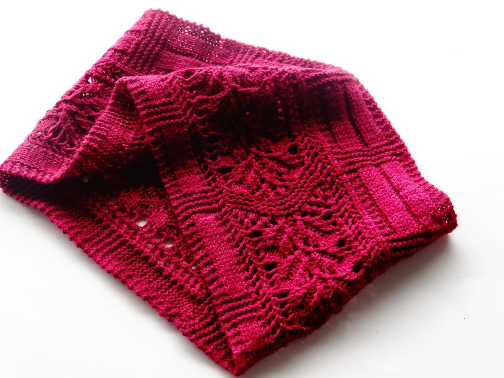 Knit leaflet cowl