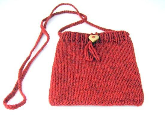 Knit purse heart bag - Pattern on Bluprint