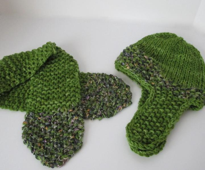 Moss Green hat and scarflette with ribbon yarn