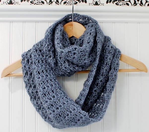 Mobius infinity crochet scarf - Pattern on Craftsy.com