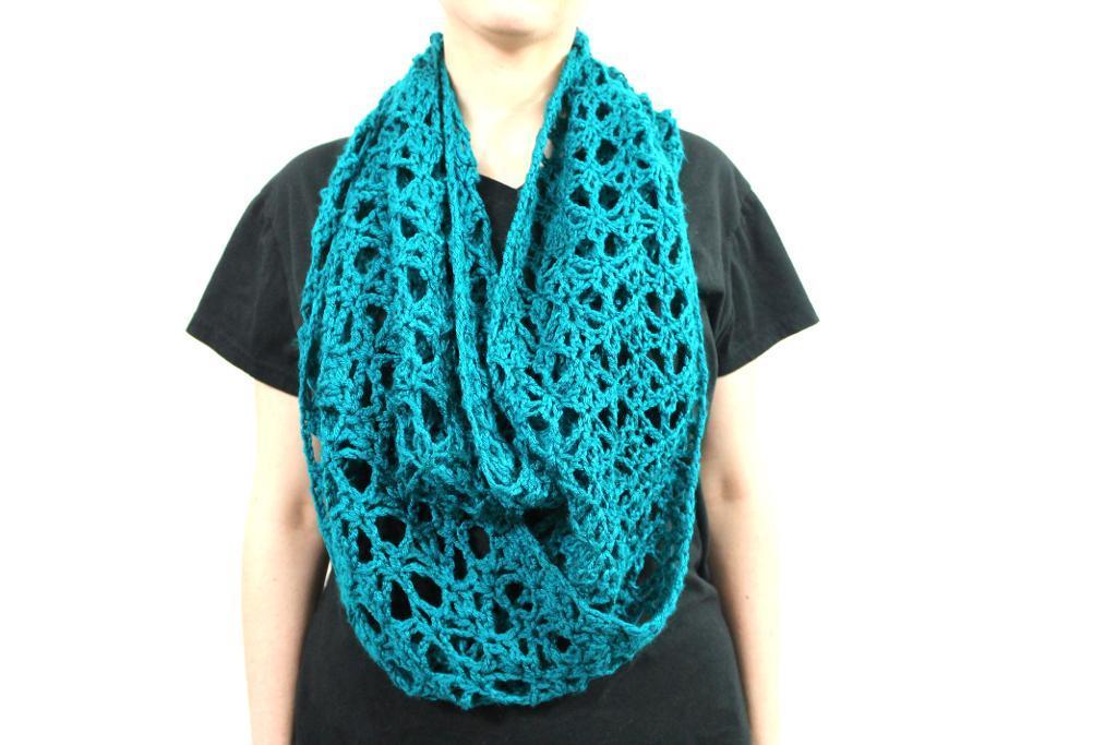 Crochet semester in Spain infinity scarf
