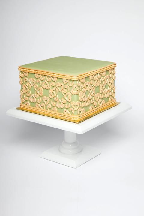 Baroque Fondant Cake by Bluprint instructor Beth Somers