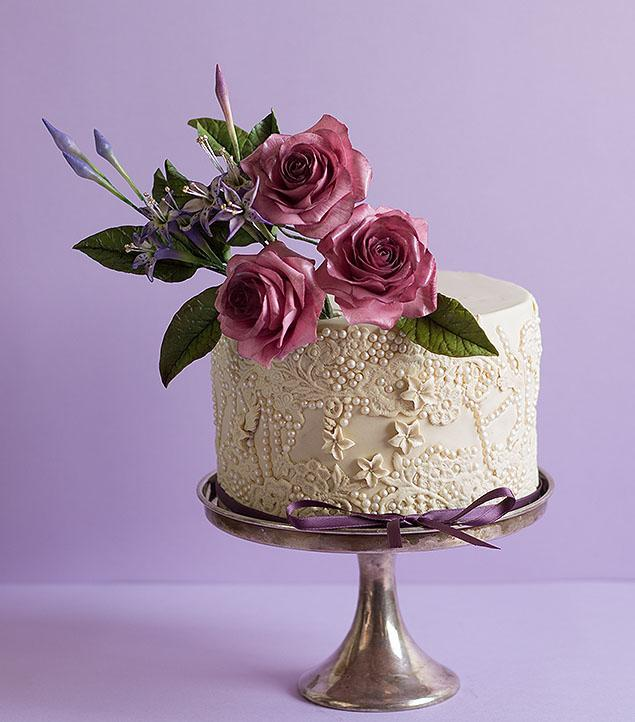 Single Tier Cake with Ping Sugar Roses