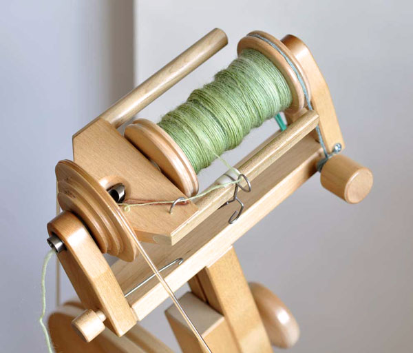 Spinning wheel with Scotch tension