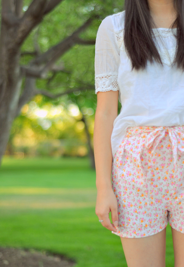 Pleated Shorts with a Flower Print