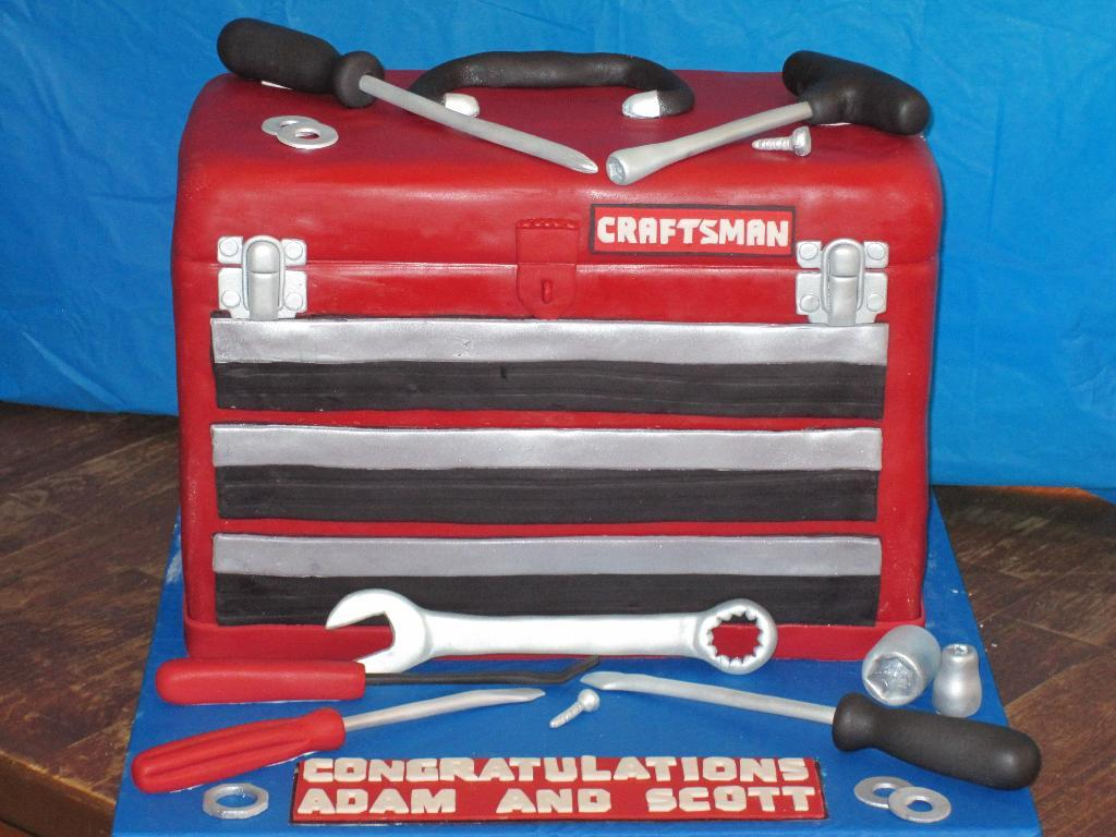 Cake Sculpted as a Tool Box