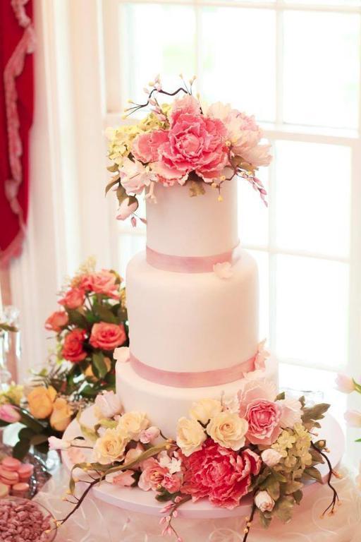 Sugar Flower Wedding Cake by Alex Narramore