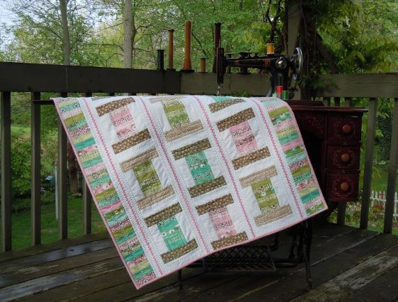 Vintage Spools Quilt Pattern on Craftsy.com