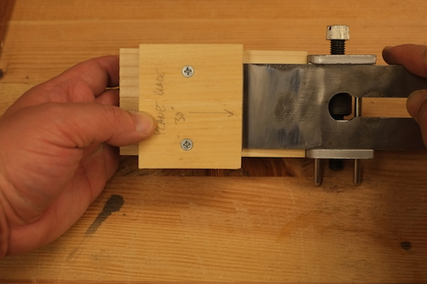 Using the plane blade honing guide setting jig