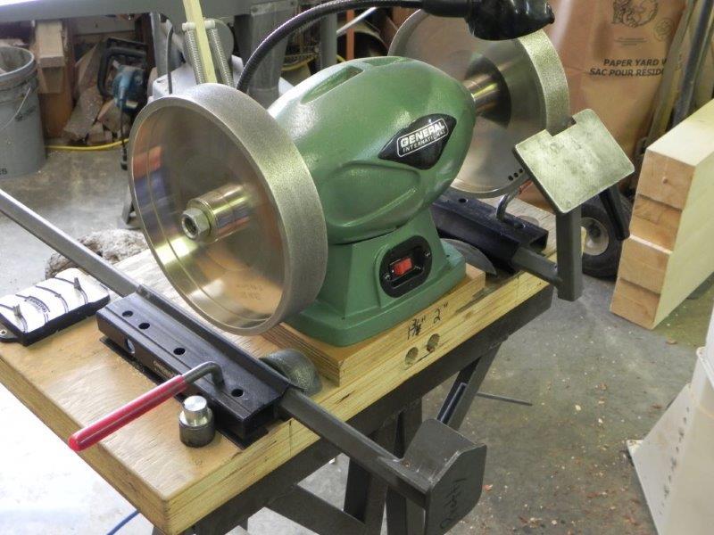 Grinder with basic jig setup