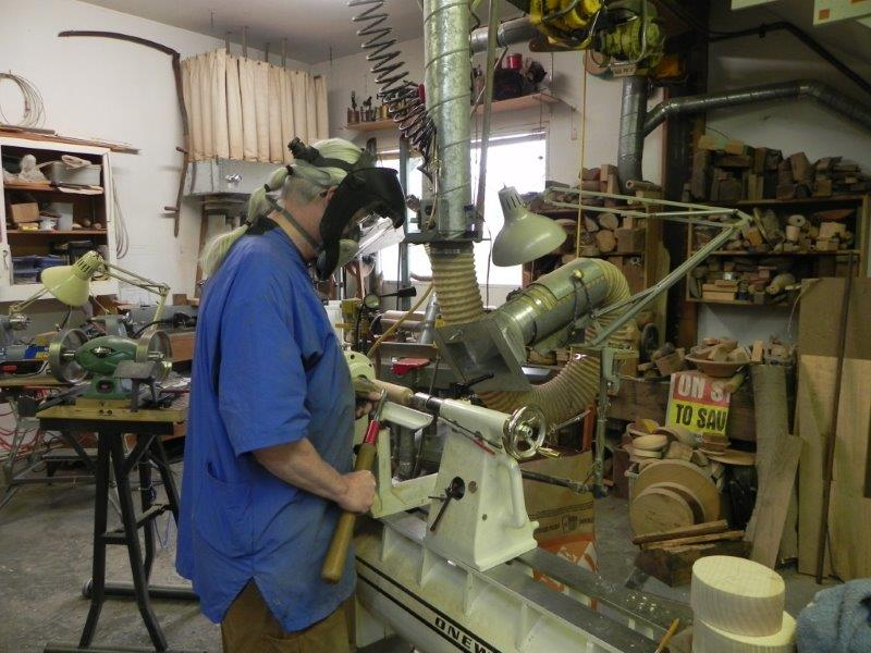 Woodturning exercising woodturning safety precautions
