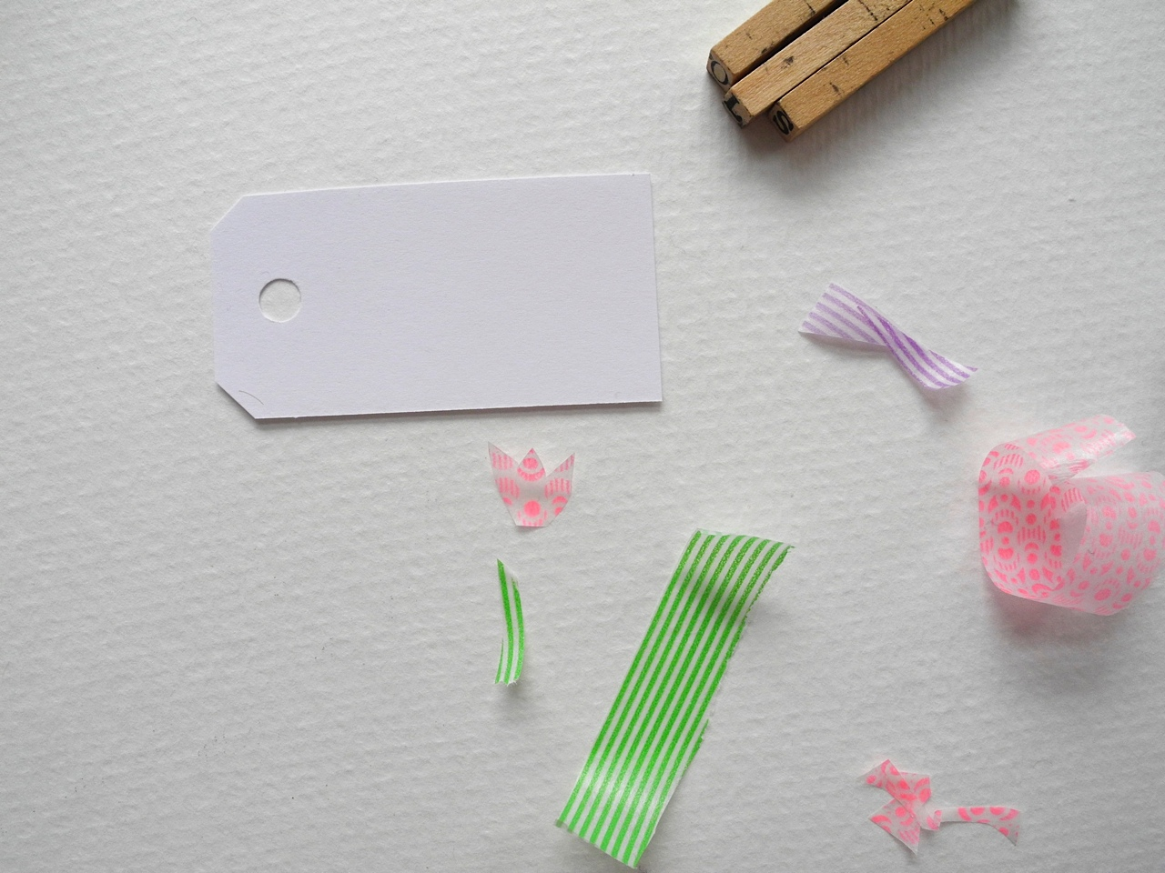 Making Gift Tags From Paper