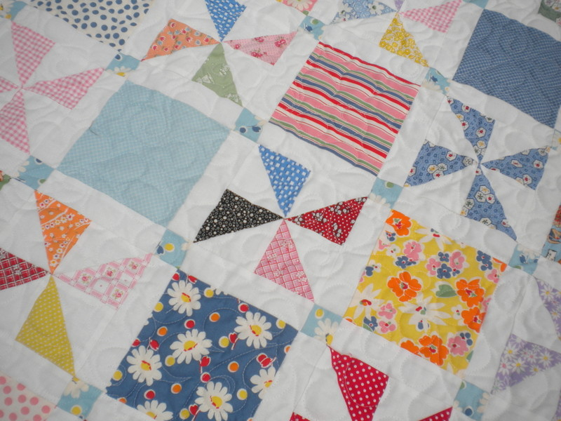 Pinwheel quilt: setting triangles for on-point quilting on Bluprint