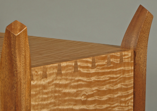 Dovetails in curly maple case