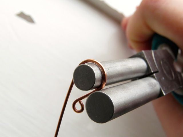 Bending Copper Wire with Bali-Making Pliers