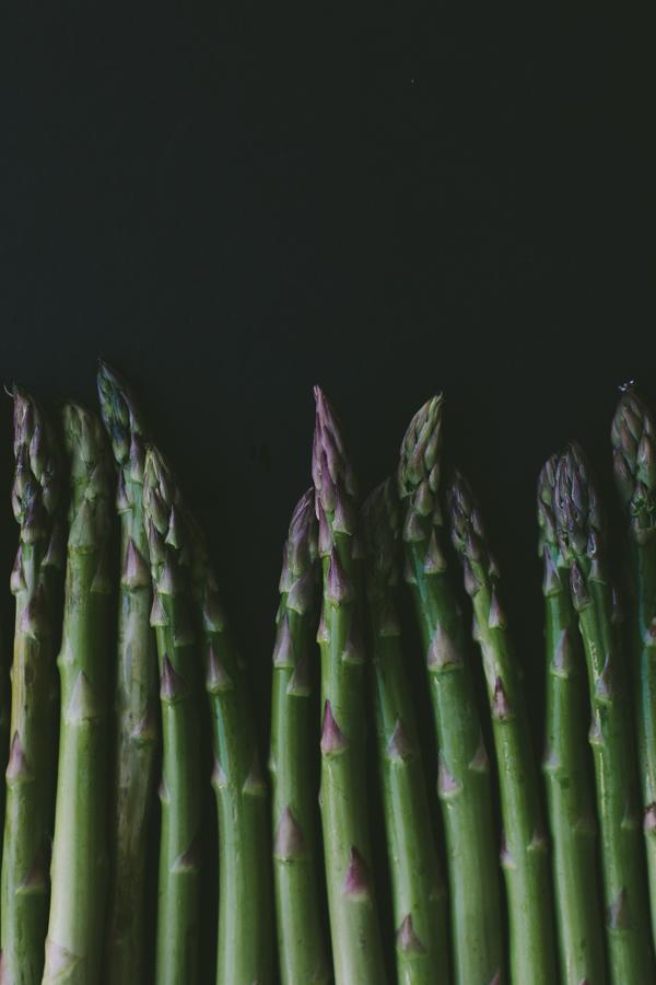Fresh asparagus : spring produce