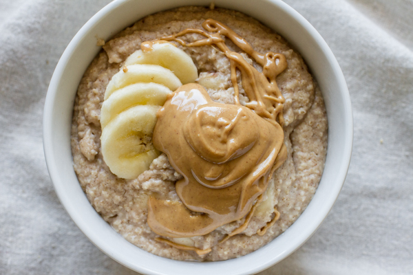 Cooked Oat Bran With Banana and Peanut Butter