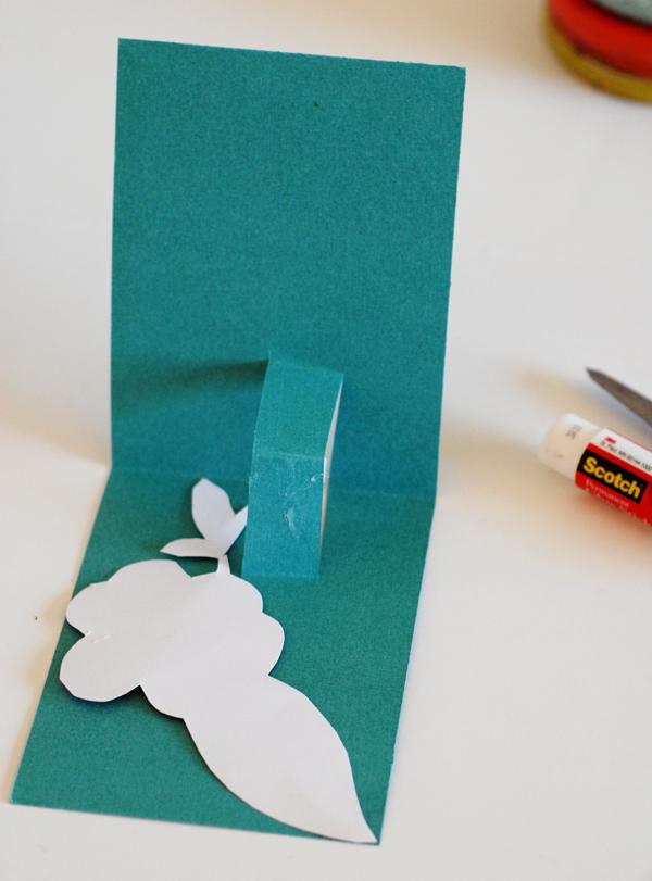 How to Make a Pop-Out Card - Tutorial on Bluprint.com