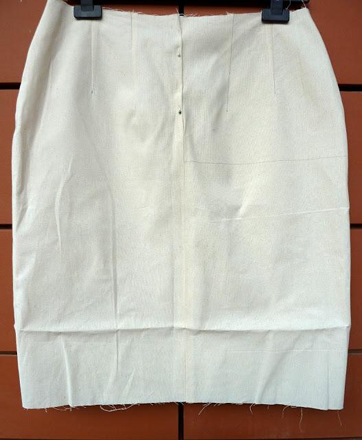 Muslin draft for a skirt