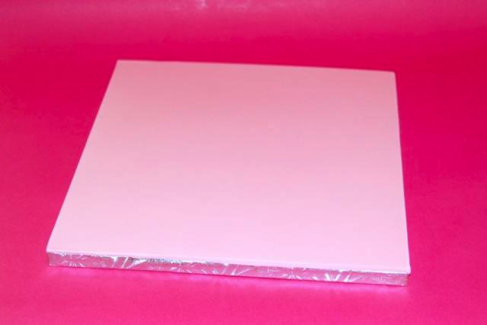 Step 1- Cover the board in fondant