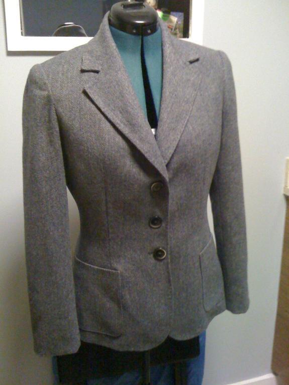 Polished hand-sewn grey blazer