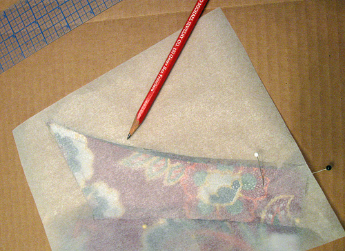 Tracing a blouse collar