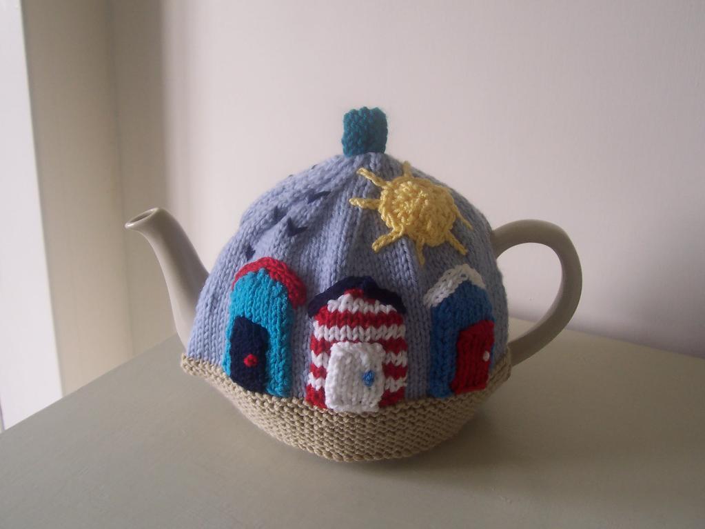 Knit sunny seaside tea cozy
