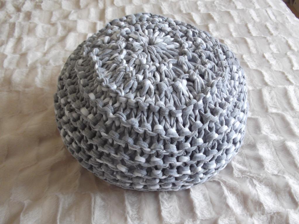 Knit t-shirt yarn pouf floor cushion