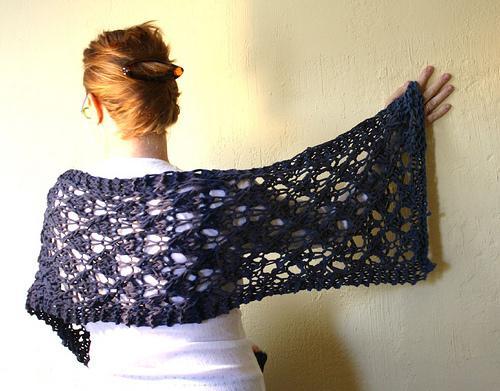 Knitted T-shirt yarn lace wrap