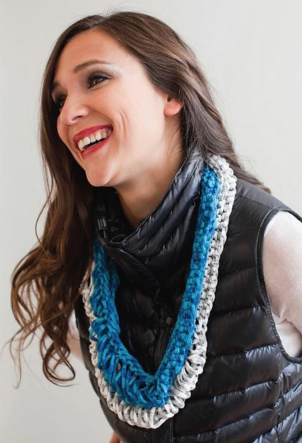 Knit shirt yarn lei