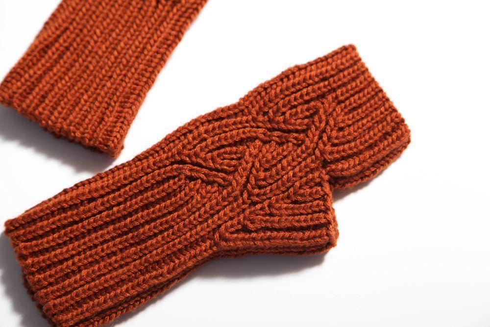Brioche knit mitts