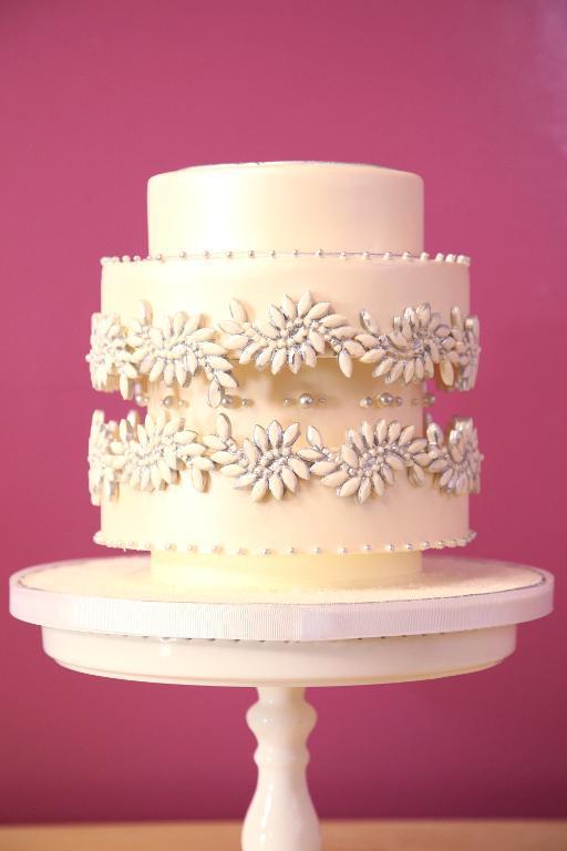 Jeweled accent cake