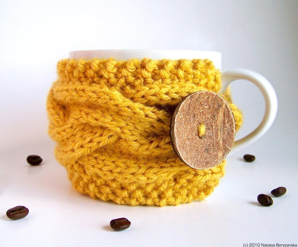 Knit coffee cup cozy