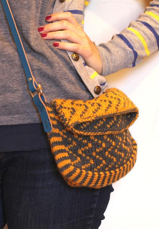 Multiplicity knitted bag