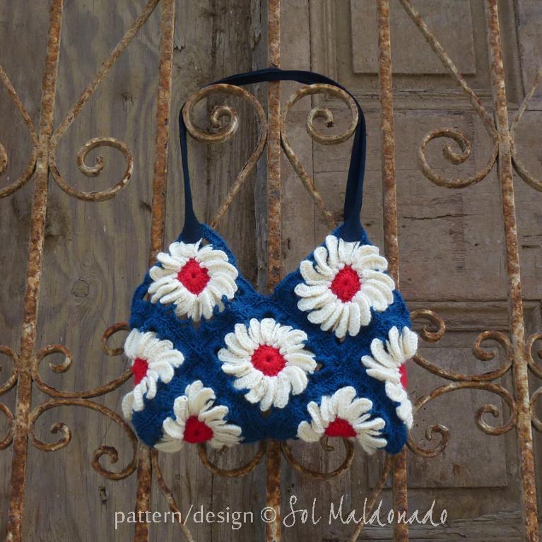 Floral granny square crochet bag