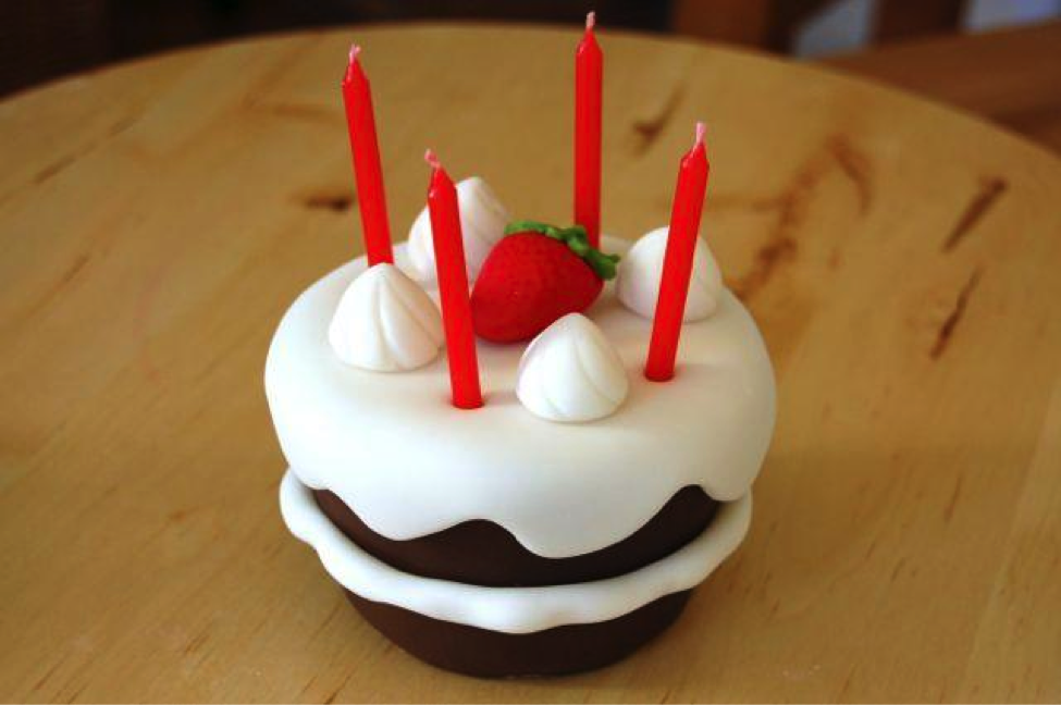 Step 17: Finishing Your Cake With a Fondant Strawberry and Candles!