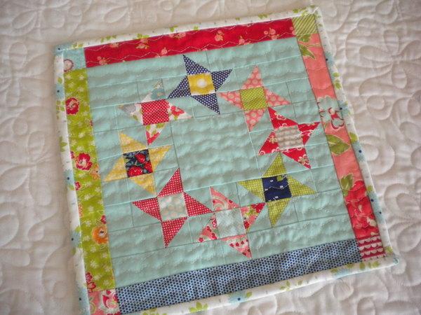 Mini Round and Round Quilt Pattern