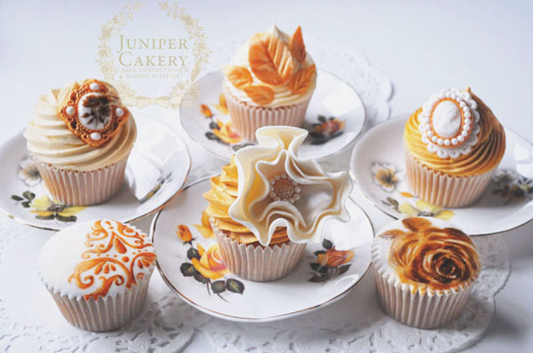 Vintage golden anniversary cupcakes by Juniper Cakery