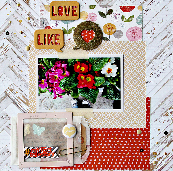 Gold Accents in Scrapbook