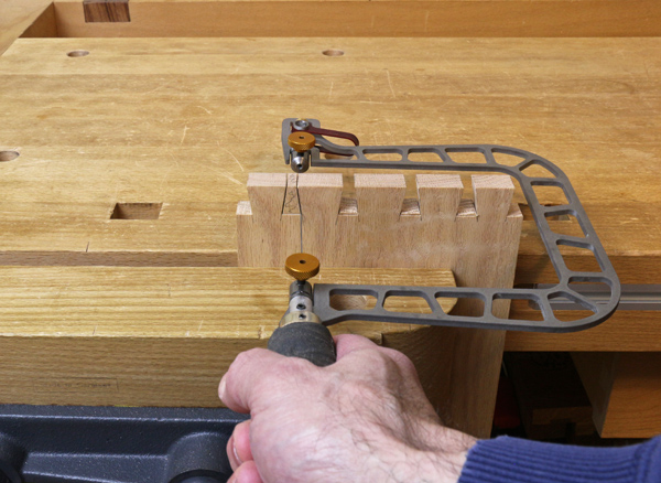 making the 90 degree turn with the fret saw