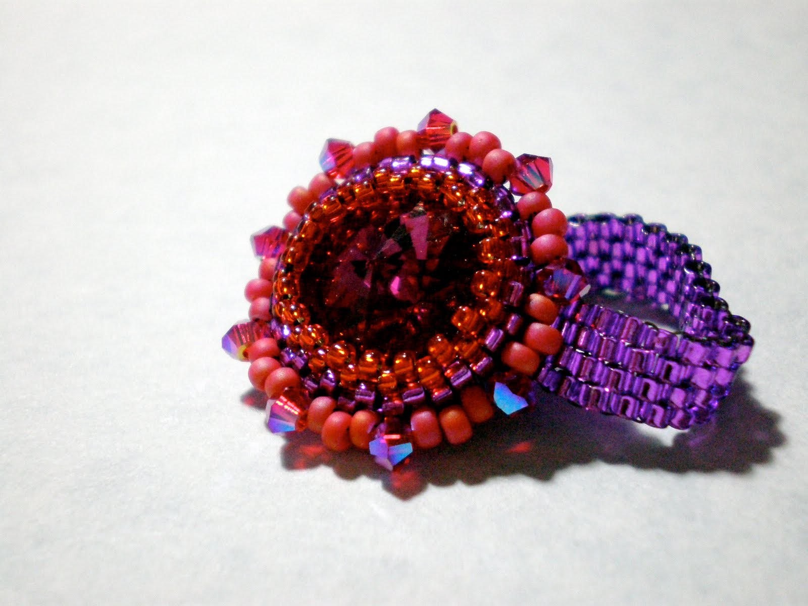 Example of a peyote stitch ring - peyote stitch in the round, increasing and decreasing, even-count peyote band