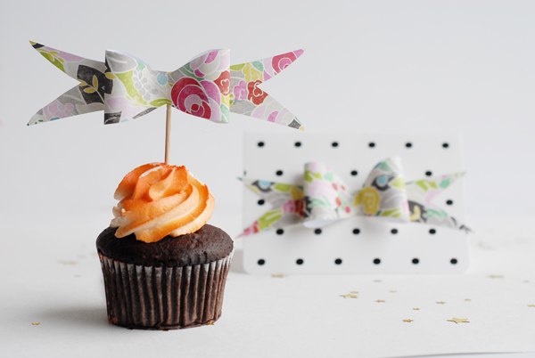 Paper Bow Cupcake Topper